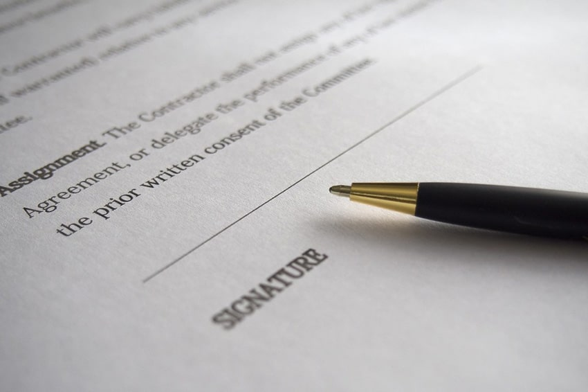 Influencer Contracts Signature Section